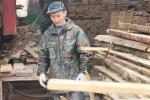 Чаще всего иностранцев, имеющих трудовые патенты, нанимают для ремонта квартир или строительства дач. Фото: Татьяна Андреева / РГ